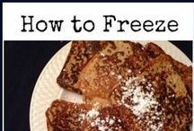 Freezer Cooking Tips / You can save a lot of money and time by using your freezer for meals. Check out these money saving freezing cooking ideas.