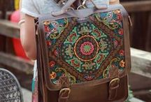 Laptop Bags / by Laura Logan