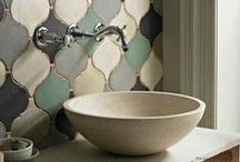 stylin' bathrooms / B A T H R O O M S  decor and interior design inspiration + concepts for styling photoshoots