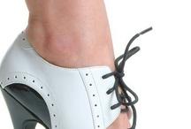 Zapatos / by Mariela Bravo