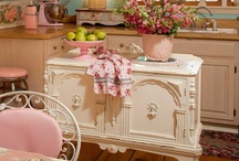 Kitschy Kitchen / all things kitchen and dining rooms, and the things that go great in them / by Tamela Sutler