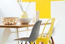 Yellow / Tutte le ispirazioni di cui hai bisogno se vuoi arredare casa con il colore. In questo caso ti proponiamo una serie di arredi, accessori d'arredo decorati di Giallo, il colore del sole, della vivacità e dell'energia. Che sia un divano, una lampada, una parete, una porta, basta anche un solo particolare per accendere un'ambiente di casa e renderlo particolare ridandogli nuova vita.
