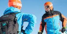 Copos School / En Copos School nos adaptamos a tus necesidades y tu nivel. ¿Quieres perfecccionar tu técnica? ¿Quieres aprender a esquiar? En Copos School nos comprometemos a que mañana sea tu mejor día de esquí.