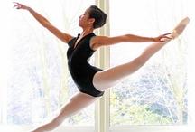 Ballet / by Antoinette van Kleeff