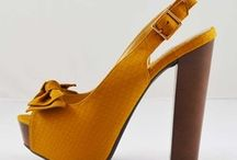 Shoe Lover / Because Cinderella is proof a new pair of shoes can change your life!
