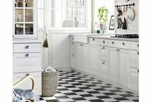Kitchens / by Catherine Aileen