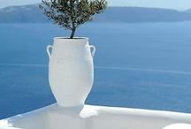 Mediterráneo / Los colores del Mediterráneo... nos llenan los ojos del azul de sus aguas.