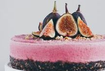 RAW / Vegan foods / by Jaleesa Vos-Lunes