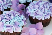 Cakes,Cupcakes & Frostings / by Nicole Welling