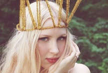 Queen things - Crowns / by Lisette Valdivia