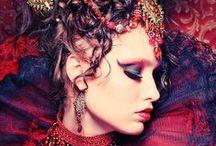 Black swan, rosso Valentino / Il Rosso e il Nero / by Silvia De Vecchi