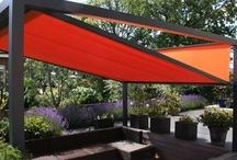 Cubola / De Cubola is een zonwering die zowel vrijstaand als tegen de gevel geplaatst kan worden. Dankzij het strakke design en de nette afwerking geniet u stijlvol van het buitenleven. De Cubola is tevens uit te breiden met de SolidScreen. Ideaal als windscherm en om muggen en vliegen buiten te houden.  • Cubola 4 x 4 meter  • Cubola XL 6 x 4 meter  • Frame standaard in wit of antraciet • Meer dan 50 kleuren Tibelly zonweringdoek  • https://www.tibelly.nl/zonweringproducten/cubola