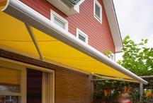 Terrasschermen / Knikarmschermen of terrasschermen zijn bij uitstek geschikt voor toepassing boven een terras. De sterke constructie maakt het mogelijk om grotere terrassen van schaduw te voorzien, terwijl de knikarmen zorgen voor een optimale bewegingsvrijheid op het terras.