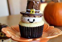 Cupcake Decorating / by Kara Ann