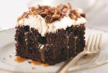 Desserts & Snacks / by Kimberly Auzins