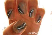 Nails / by Kimberly Auzins