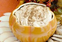APPETIZERS AND DIPS TO SERVE A CROWD / Appetizer and dip recipes for your party or gathering