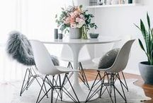 Dining Room Inspiration / The best dining room, breakfast nook and eat in kitchen ideas on Pinterest. Make every meal special with a beautiful eating space.