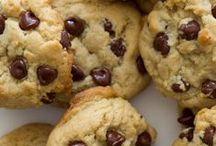 EAT // Cookie of the month club / cookies + bars / by Calee [ life+running / chimesdesign ]
