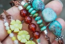 Jewelry & Wire Tutorials / An assortment of crafty tutorials that do not involve polymer clay!