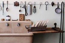Kitchens / by Helena Mattar