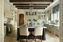 Amazing kitchens! / We all know a kitchen really is the heart of the home. A few years ago when I was planning my own, I so wish I knew about Pinterest! What a great way to rein in on the look you love....so here is a collection of kitchens that are the perfect recipe of elegance, function, warmth and beauty. Enjoy!