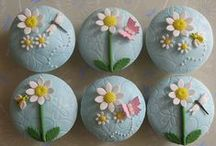 Gorgeous Cakes and Cupcakes! / Gorgeous Cakes and Cupcakes