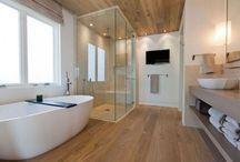 Bathroom / Inspirationen zum Thema Badezimmer: Waschbeckenunterschrank, Duschwände und Grundrisse