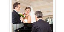 Live pianomuziek / Stelt u zich eens voor, wanneer de bruid door haar vader naar binnen wordt gebracht, dit ondersteund wordt door prachtige piano muziek. BoekeenPianist is de partner als het gaat om ceremoniële muziek.