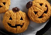 Halloween/Fall Food & Drinks / Spooky Halloween treats, yummy fall recipes and tasty drinks. Warning: You may not want to view this board on an empty stomach!