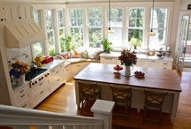 Kitchens / by Caroline Newhouse