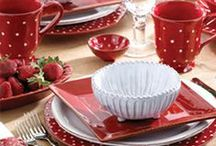 VIETRI Rosso Vecchio / VIETRI Dinnerware Collections: Rosso Vecchio and Rosso Vecchio Dot have us seeing red - the Italian color of life, love and passion! Great for holidays (Christmas, 4th of July, Valentine's Day) and every day. / by la Terrine
