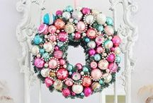 Wreaths / by Marisa Doan