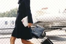 Donne con la valigia / Travel in Style / by Marina Misiti