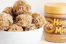 Peanut Butter Snack Bites / Peanut Butter Snack Bite Recipes / by Suzi Fevens