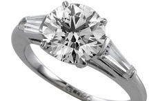 Round / by WEDDINGRINGS.COM
