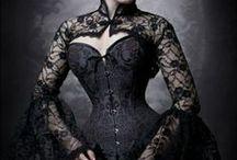 Halloween Costumes / by Brooke Hanna-Santalucia