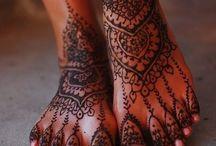 Mehendi / Het is gewoon mooi als je een bruid ziet lopen en dat met zulke leuke versieringen ik help het ook een paar keer gehad en dat was in het begin wel wennen maar hoe vaker je dat liet zetten dan ging het wel wennen
