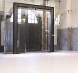 Motion Gietvloer in expositieruimte