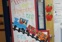 Teacher Appreciation Door Ideas / Cute ways to decorate your teacher's classroom door for National Teacher Appreciation Week!