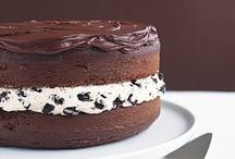 Food: Cakes & Cupcakes /   / by Lisa C.