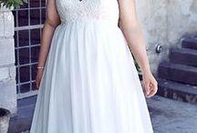 Hochzeit ♥ Wundercurves / Die Hochzeit soll der schönste Tag im Leben sein, deshalb gilt es hier besonderes Augenmerk auf das Outfit zu legen. Das gilt nicht nur für die Braut selbst, sondern ebenso für die Gäste. Neben dieser Pinnwand findet ihr weitere Ideen zu euren Outfit für den schönsten Tag auf: http://www.wundercurves.de/magazin/a/hochzeitsg%C3%A4ste