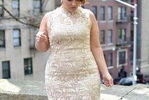 Cocktailkleider ♥ Wundercurves / Cocktailkleider dürfen auf keiner Festlichkeit fehlen. Deswegen haben wir Dir hier viele Inspirationen bereitgestellt. Weitere Outfits - auch in Plus Size - findest Du unter: http://www.wundercurves.de/shop/bekleidung/kleider