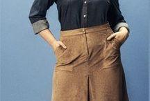 Leder ♥ Wundercurves / Egal ob eine schwarze Lederjacke oder die braunen Lederstiefel - ein hochweertiges Kleiderstück aus Leder kann jedes Outfit aufpimpen. Lasst euch auf http://www.wundercurves.de/magazin/a/Plus-Size-Leder-Look inspirieren!