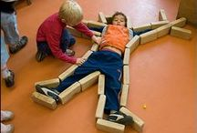 Blocks/Bloques / Ideas and tips to help engage children's imaginations in the block area.