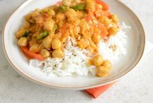food: curries, chillies & stews / by Amie Gill