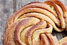 Savory and Sweet Bread Recipes / ❖ breads, muffins, scones, sweet breads, donuts, rolls, buns, bagels and more recipes ❖