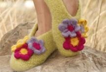 Knit slippers/booties / by Tatyana Boynetskiy