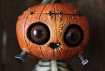 Favorite holiday / Halloween & horror / by Tiffany
