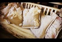 Neverland - Interior / Idee e oggetti .mobili e particolari .uno sguardo è una ricerca .neverland artgallery a Canossa dipinge oggetti e accessori per la casa .mobili e istallazioni ,scenografie curate dall' artista Mauro Burani